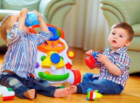 Как играя положить начало обучению ребенка