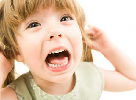 Агрессивность и истерики у двухлетних малышей