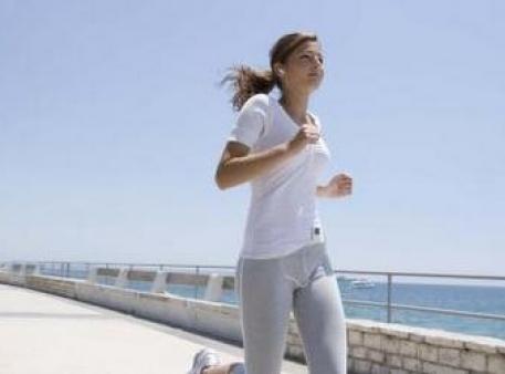 Как защитить девочек-подростков от остеопороза