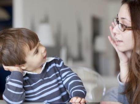 Как научить малыша осмысленному извинению