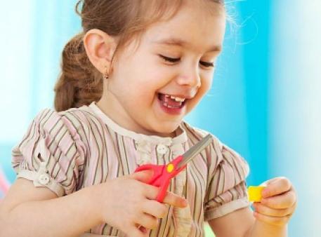 Учим дошкольников пользоваться ножницами