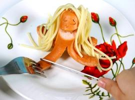 Креативно готовим простую еду: сосиски-осьминоги