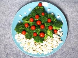 Новогодняя елка на блюде: как выложить овощи