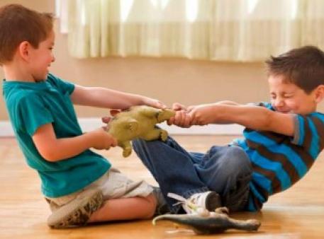 Как научить вашего малыша делиться