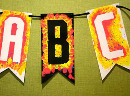 Создайте яркий декор: флажки с алфавитом