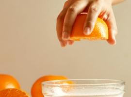Гравитация и объекты: тест с апельсином