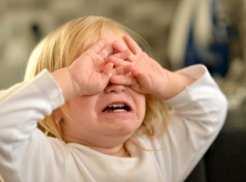 Жестокое обращение вредит развитию детей