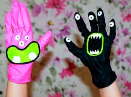 Монстры из хозяйственных перчаток