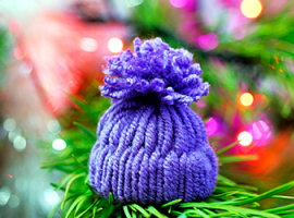 Зимняя поделка - «вязаная» шапочка за 10 минут